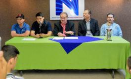 Entrega Presidente Municipal reconocimientos a campeones estatales de deporte