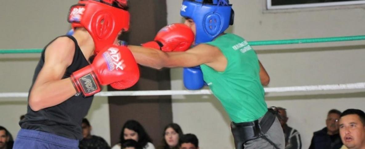Boxearán hoy selecciones en Torneo Regional