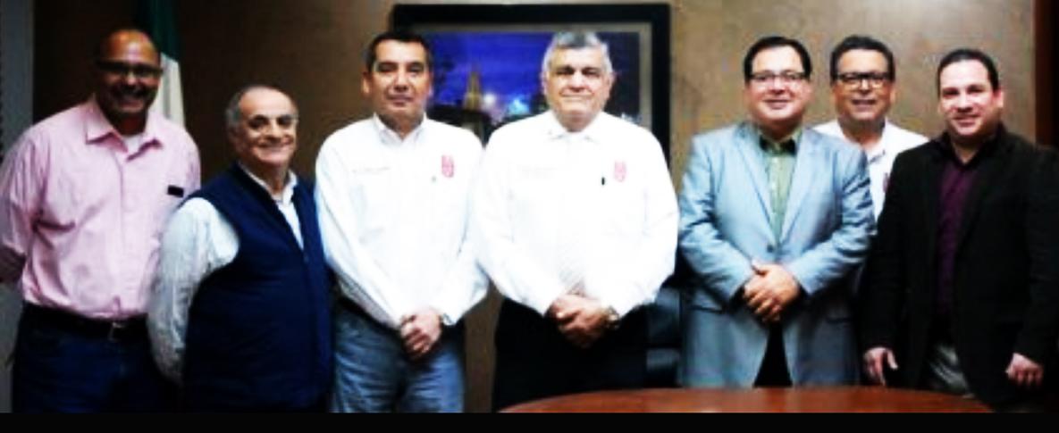 Recibe alcalde de Cajeme a egresados del IPN