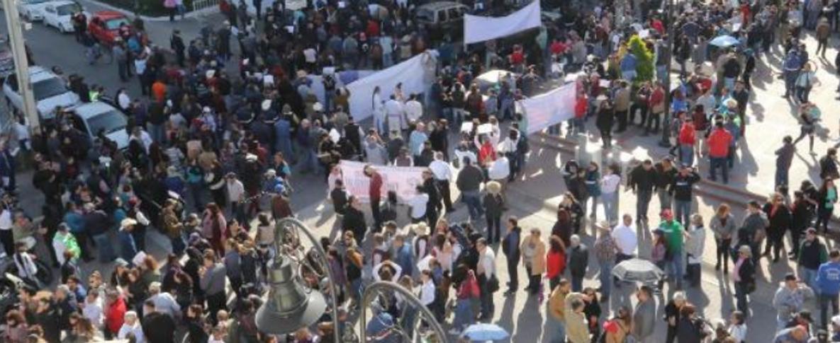 Salen a calles sindicatos para exigir rescate del Isssteson