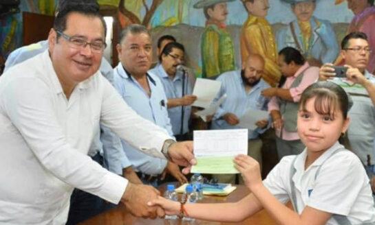 Entrega Alcalde De Cajeme Apoyos Económicos A Niños Con Excelencia Educativa