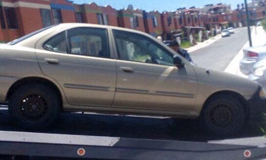 Trabaja Tránsito en remover vehículos en estado de abandono de las calles