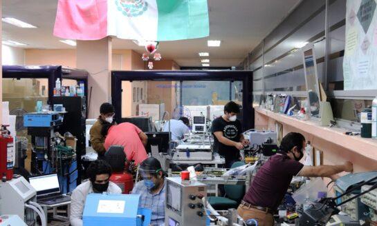 """Ingenieros desarrollaron ventiladores """"Hechos en México"""" para no depender de los extranjeros"""