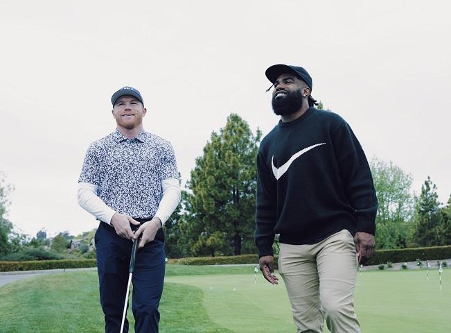 «Canelo» Álvarez juega golf con figura de la NFL