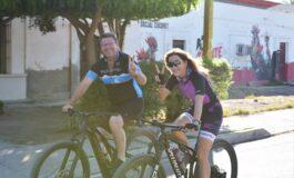 Rodrigo Bours recorrió el pueblo de Cocorit  en la pedaliada Independiente