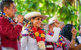 Evelyn Salgado recibe constancia como gobernadora electa de Guerrero