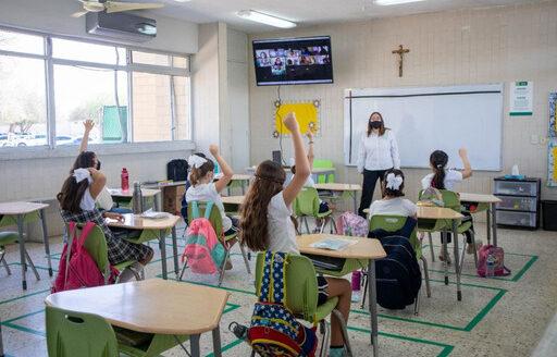 Purificadores de aire, alternativa para ventilar salones de clases tras pandemia