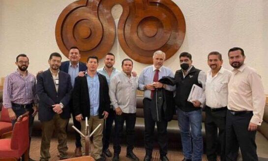 """""""Mayito"""" Martínez se capacita para realizar gestiones efectivas"""