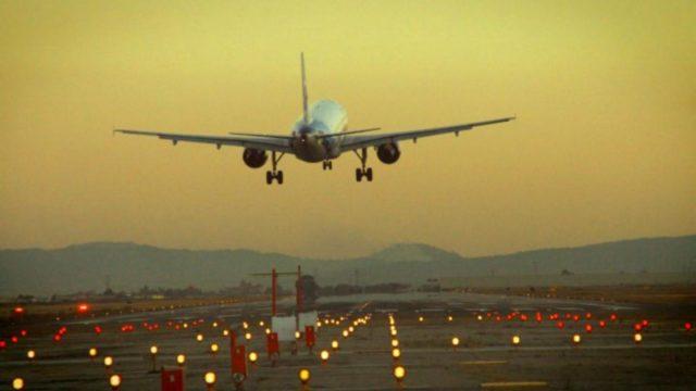 Falla en comunicaciones entre radares afecta vuelos desde EU y México