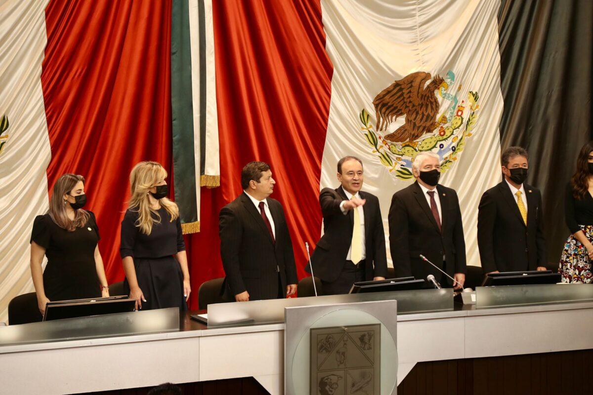 EN SESIÓN SOLEMNE DEL CONGRESO DEL ESTADO, TOMA PROTESTA COMO GOBERNADOR CONSTITUCIONAL DEL ESTADO DE SONORA, FRANCISCO ALFONSO DURAZO MONTAÑO.