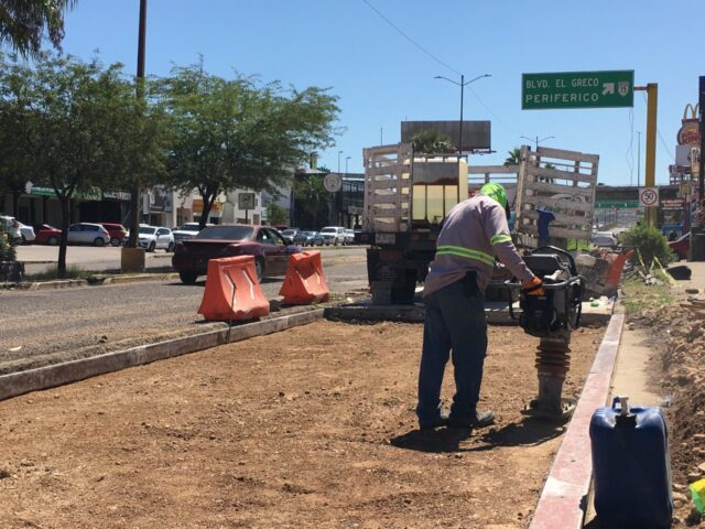 Rehabilitan calles de Nogales