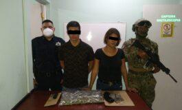 CAPTURA POLICÍA MUNICIPAL Y MARINA A PAREJA POR PRESUNTO DELITO CONTRA LA SALUD