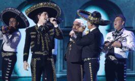 Alejandro Fernández y su hijo recordaron a Vicente Fernández en su primer concierto juntos.