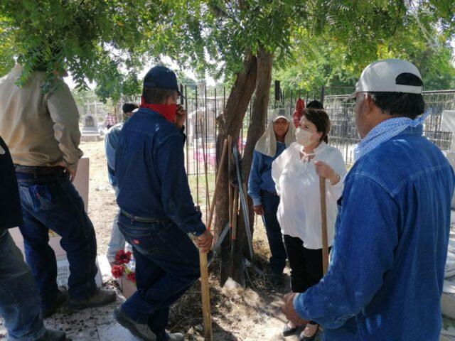 Sindicatura supervisa limpieza y terrenos de panteones de Navojoa