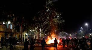 Dos muertos y 450 detenidos durante las manifestaciones en Chile
